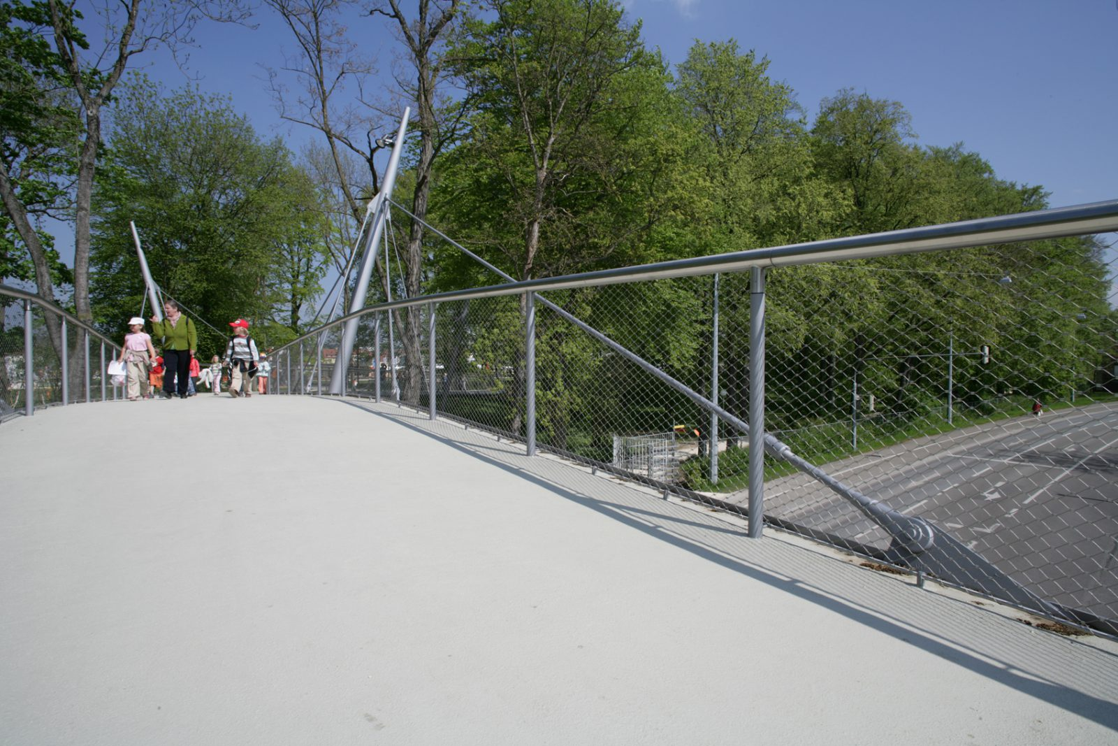 Fuß- und Radwegbrücke über die Ringstraße, Neu-UlmFuß- und Radwegbrücke über die Ringstraße, Neu-Ulm