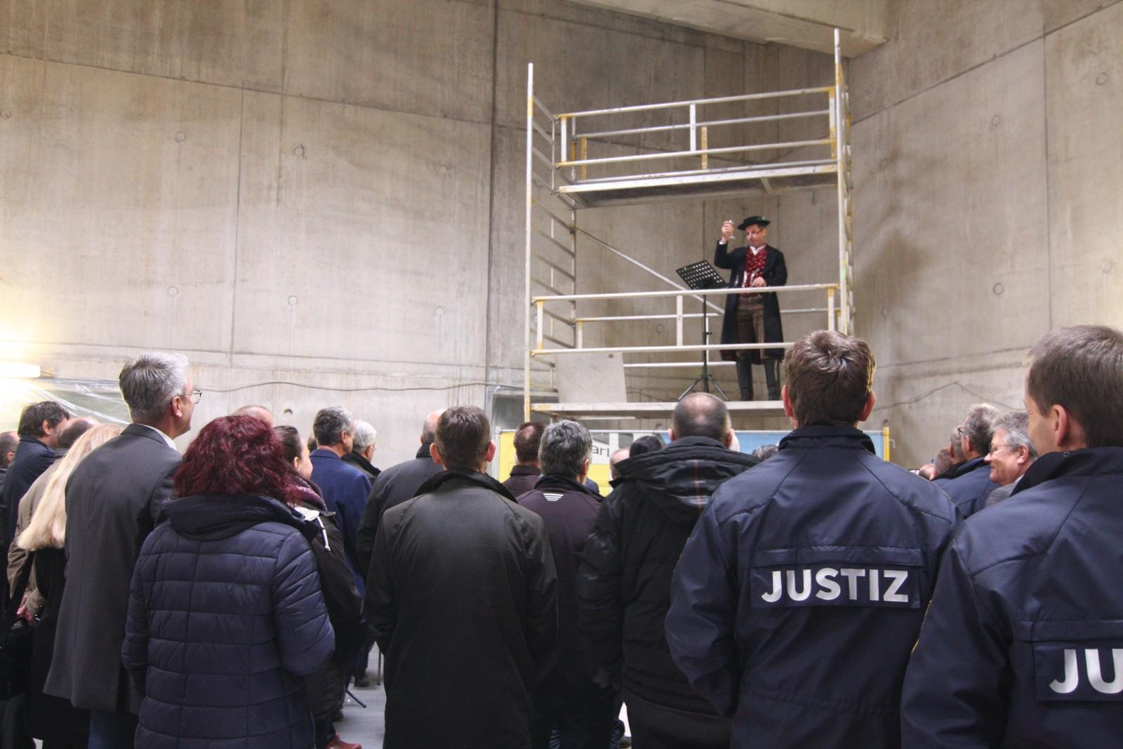 Richtfest Versorgungszentrum JVA Kaisheim
