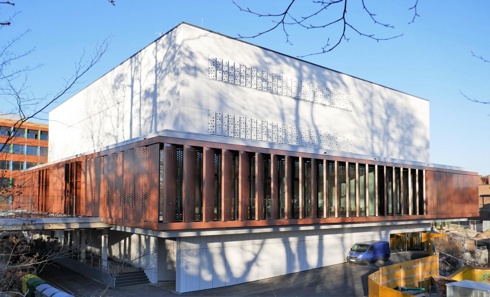 Finanzcampus Ansbach, Neubau Lehrsaal- und Mensagebäude