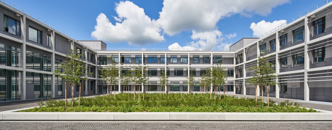 General-Fellgiebel-Kaserne, Neubau Lehrsaal- und Funktionsgebäude