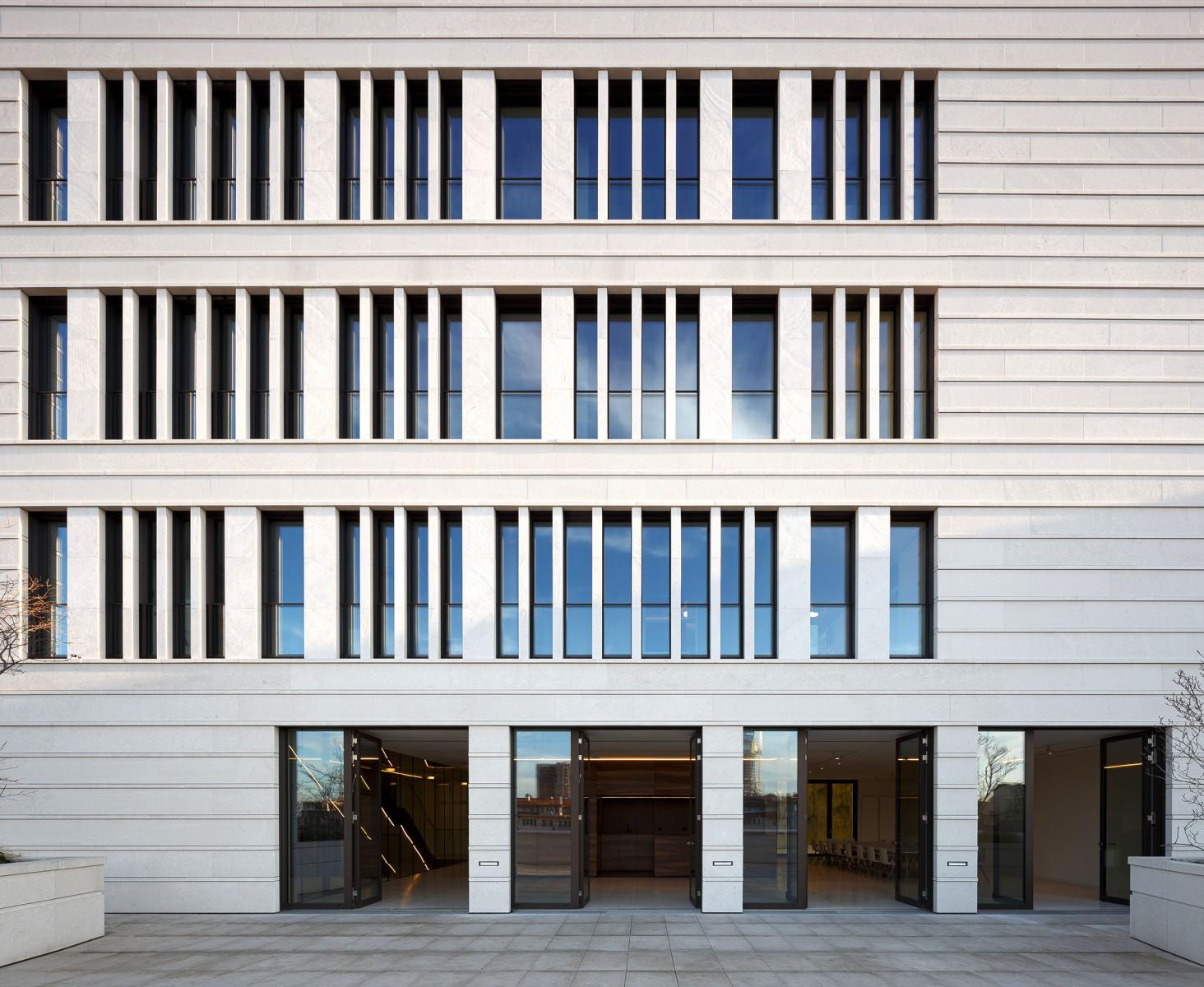 Deutsche Botschaft Belgrad, Kanzleigebäude